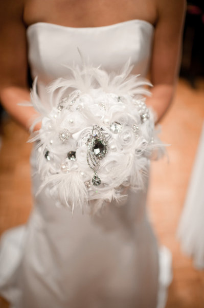 Wedding Bouquets With Feathers And Crystals : Creative bridal bouquets celebrity style weddings